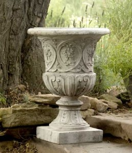 Lippie Garden Urn, Made of Fiberstone