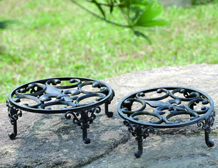 Fleur de Lis Planter Stands, Set of 2