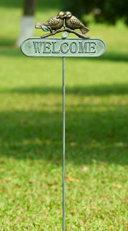 Lovebirds Welcome Sign Stake