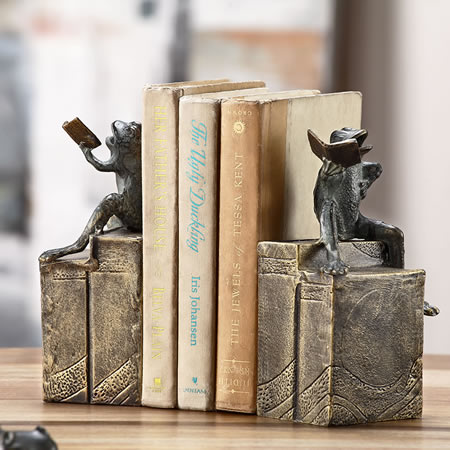 Bibliophile Frogs on Books Bookends