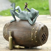 Connoisseur Frog Garden Sculpture/Bluetooth Speaker