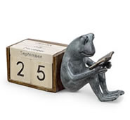 Reading Frog Desktop Calendar