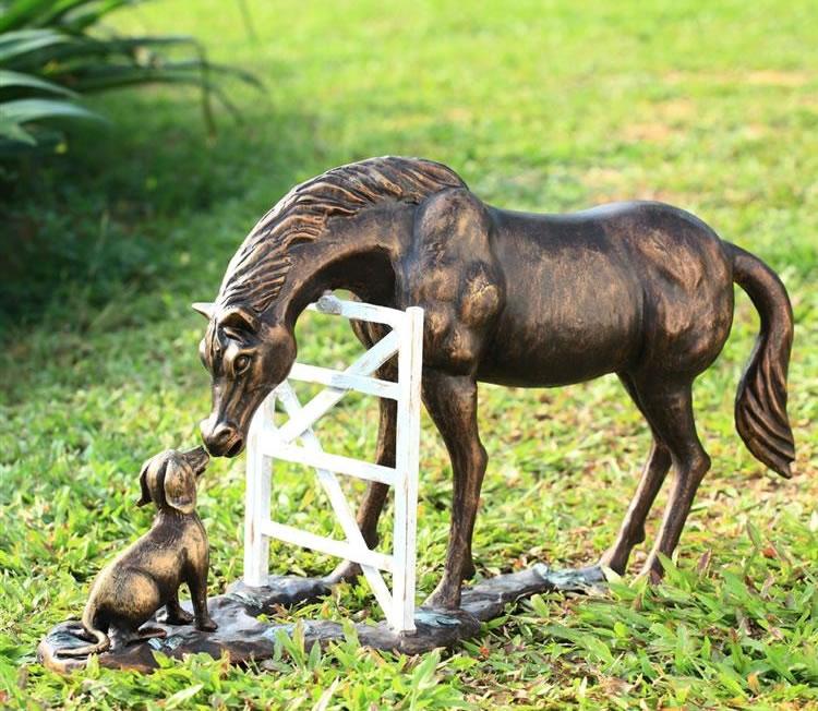 Global Views Horse: Barnyard Pals (Horse & Dog) Garden Sculpture, SPI-San