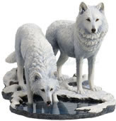 Winter Warriors Wolves Statue